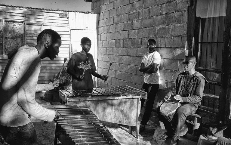 """Concorso fotografico """"Incontrare la musica: dalla strada ai luoghi del concerto"""""""
